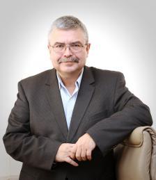 ЕМИЛ ХЪРСЕВ е един от водещите финансисти и специалисти по доверителни финанси у нас.