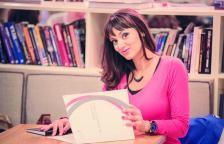 Десислава Василева е управляващ директор на комуникационната агенция Idea PR & Advertising, която е член на БАПРА, както и съдружник в уеб агенцията Dea Solutions. Тя е създател на Espressonews.bg.