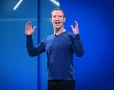 """Марк Зукърбърг, главен изпълнителен директор и основател на """"Фейсбук Инк."""", говори по време на конференцията F8 за разработчиците на компанията в Сан Хосе, Калифорния, САЩ, 1 май 2018 г."""