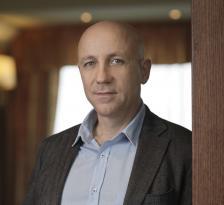 ИВАЙЛО ПЕНЧЕВ е сериен предприемач, основател и изпълнителен директор на Walltopia. Компанията е световен лидер в производството на стени за катерене и съоръжения с над 2000 проекта в близо 50 страни.