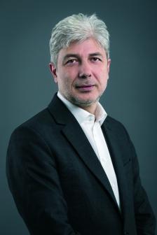 """Нено Димов е министър на околната среда и водите от май 2017 г., избран от 44. Народно събрание. Завършил е СУ """"Св. Климент Охридски"""", Факултета по математика и информатика. Магистър е по математика и доктор по физика."""