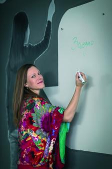 """ЕВГЕНИЯ ПЕЕВА-КИРОВА е изпълнителен директор на фондация """"Заедно в час"""" от нейното създаване през 2010 г."""