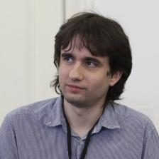 Божидар Божанов е софтуерен инженер, популярен блогър и лектор на технологични събития. През 2015-2016 е съветник за електронно управление на вицепремиера Румяна Бъчварова. Участва в разработката на правителствената стратегия за въвеждане на електронно управление за периода 2016-2020 г. Основател и управител на LogSentinel, компания за информационна сигурност.