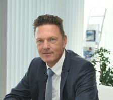 """ТИМ КУРТ е изпълнителен директор и вицепрезидент на """"Аурубис България"""". Роден е в Бремен, Германия."""