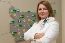 """СТОИЛКА АРСОВА е директор на дирекция """"Национална картова схема"""". Има над 15 години опит в банковия сектор в областта на електронните и картовите разплащания."""