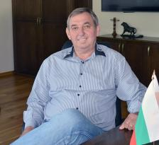 """ИНЖ. ДЕЛЧО НИКОЛОВ е председател на  управителния съвет и изпълнителен директор на """"Асарел-Медет""""."""