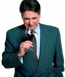 """Маргарит Тодоров беше български представител на държавната фирма за износ на вино """"Винимпекс"""" в Лондон. Там направи най-големия пробив на западния пазар в цялата българска история"""