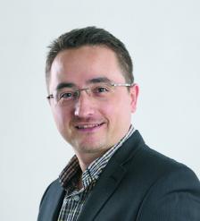 """ВЕНЦИСЛАВ САВОВ е доцент д-р по управление на човешкия капитал и редактор в """"Мениджър"""" от 14 години."""