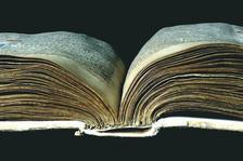 При правилно съхранение средновековните ръкописи могат да надживеят всяко съвременно средство за запис на информация