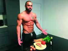 Фитнес инструкторът Лазар Ангелов има повече от 14 млн. последователи