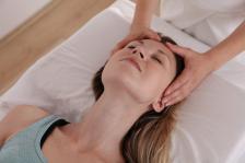 Наблюдението и слушането на звуците от масаж може да предизвикат АСМР