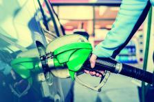 МВФ предвижда 5% вероятност за цени над 70 долара за барел и 5% за под 30 долара през следващите 12 месеца