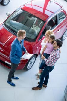 Мотивацията за покупка на автомобил е различна, когато избира само мъж или само жена, младо семейство, което иска да побере възможно най-много деца и багаж на път за морето, и когато избират баща и син