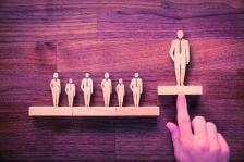 Социалните мрежи са с до 25% по-ефективен начин за двустранна комуникация между СЕО и служители от общи събрания, оперативки и т.н.