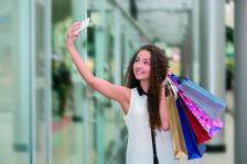 Наградата може да е допълващ продукт - всичко, което улеснява употребата или засилва преживяването, така че потребителят да продължи  да взаимодейства с бранда