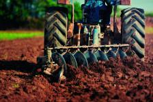 Всяка година селското стопанство получава близо 2 млрд. лева по различни програми