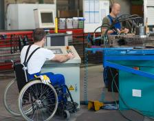 5000 големи и средни предприятия трябва да назначат хора с увреждания